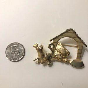 Vintage brooch cat and dog gold